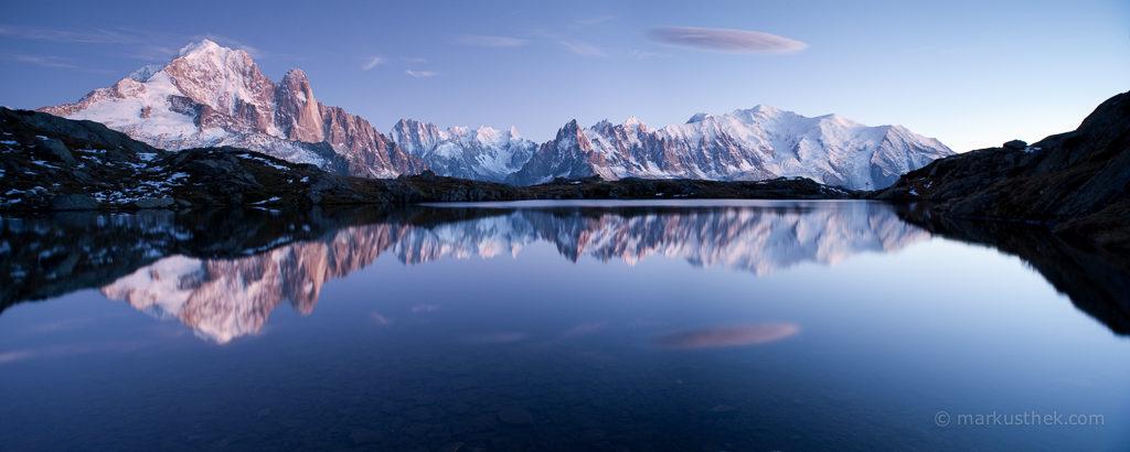 Eine Landschaftsaufnahme, die in den französischen Alpen aufgenommen wurde. Ein Traum-Sujet des Mont Blanc Massivs.