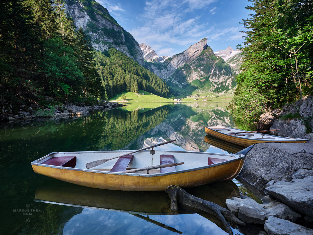 Der Seealpsee spiegelt sich am Morgen. Eine ideale Bedingung für Landschaftsfotografen.
